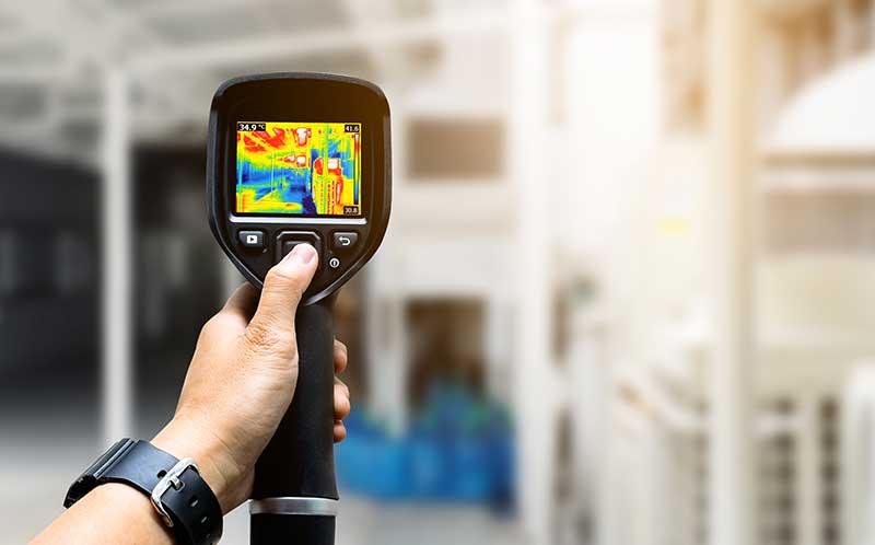 Een waterlekkage kunt u eenvoudig en snel laten opsporen door een lekdetectie bedrijf. Zij gebruiken hiervoor een infrarood warmtecamera.
